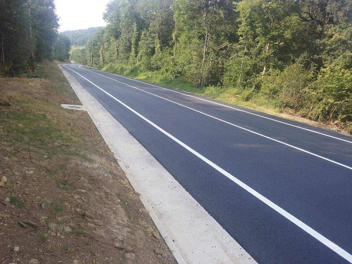 Fomento amplía y mejora un tramo de la carretera N-121-A, entre Burutain y Etulain