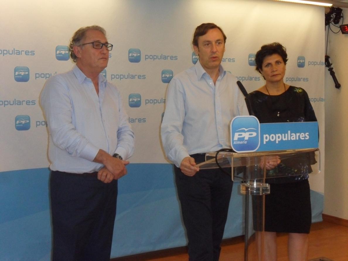Hernando (PP) ve un «disparate terrible» la decisión de Colau