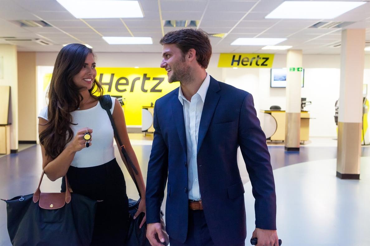 Hertz rompe el contrato exclusivo con Ryanair y la aerolínea anuncia demanda