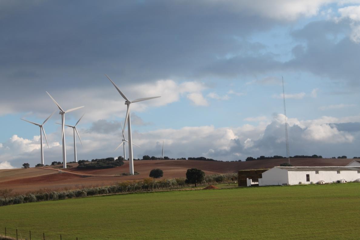 Industria asegura que España cumplirá los objetivos en materia de renovables para 2020