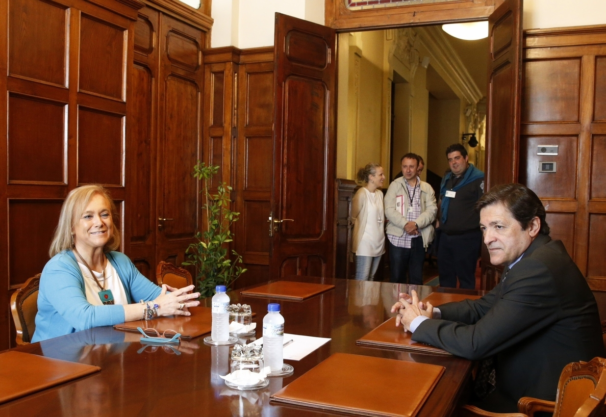 Javier Fernández y Mercedes Fernández empatan a 14 diputados, los diputados tendrán que volver a votar