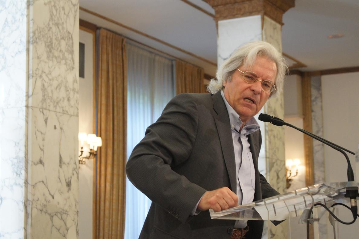 Javier Nart (Ciudadanos) enmarca en «la vieja y sórdida política» las críticas por la cuenta de su padre en Suiza