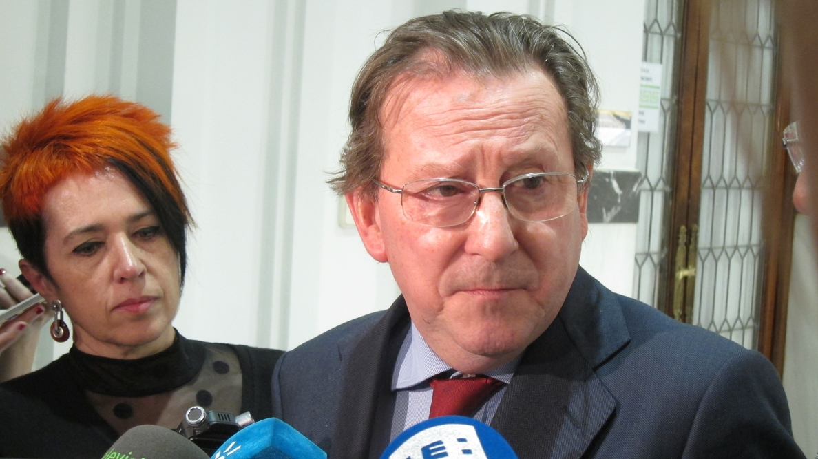 De Llera subraya el compromiso de diálogo con los sindicatos para mejorar la Administración de Justicia en Andalucía