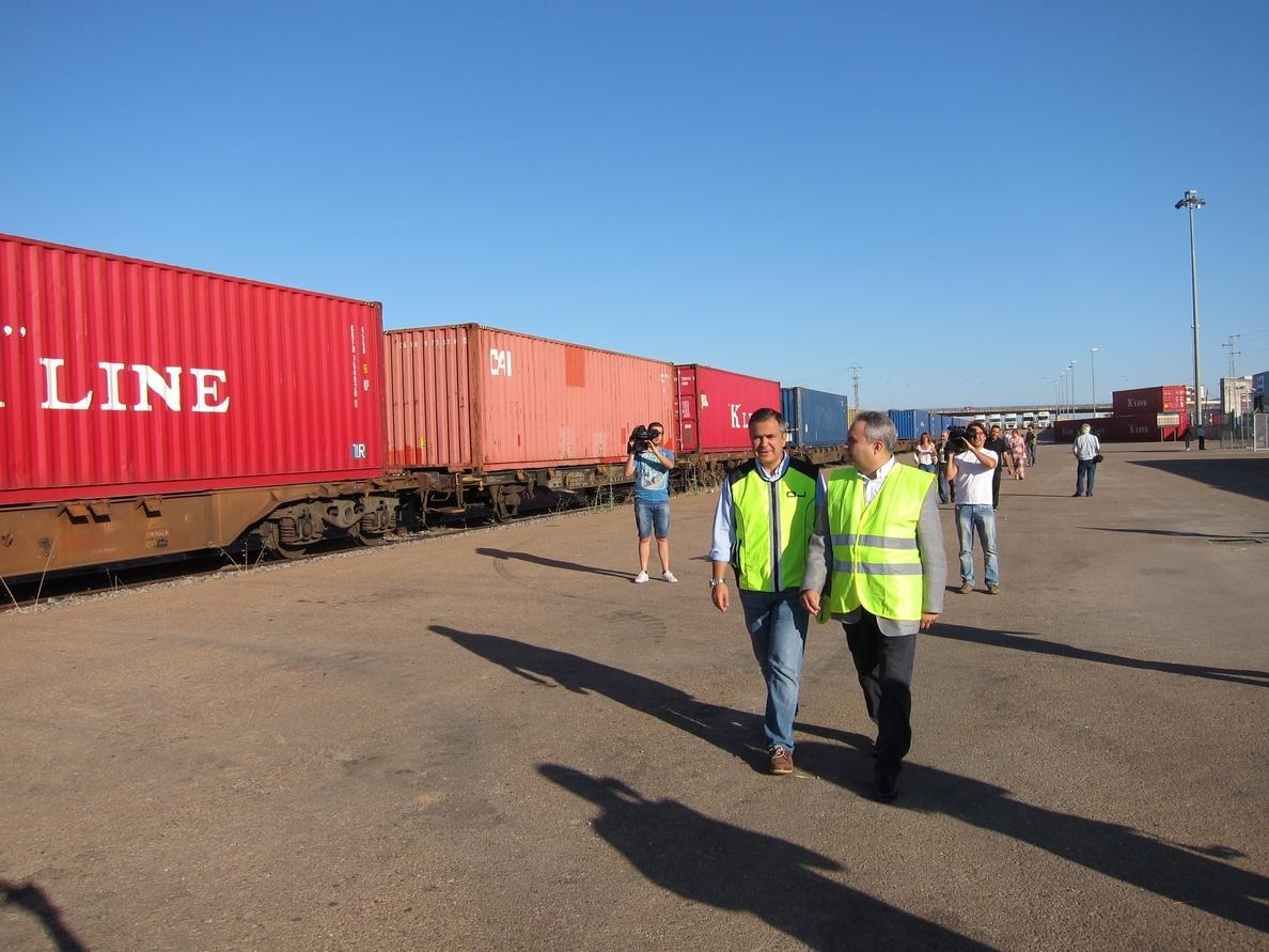 El Puerto Seco de Badajoz acoge la primera de las salidas de convoyes de mercancías con destino a puertos portugueses