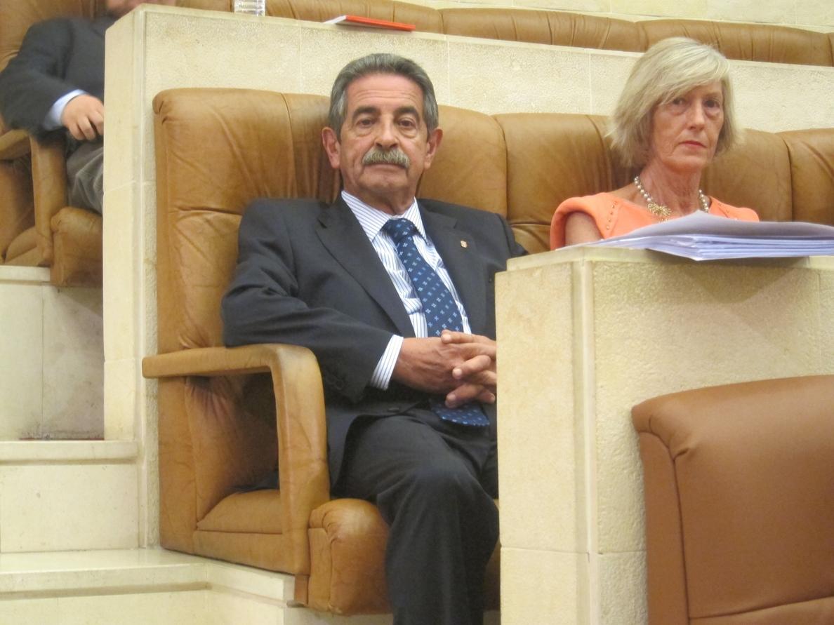 Revilla dice haber recibido 20 cartas de ciudadanos denunciado posibles «irregularidades» del Gobierno regional