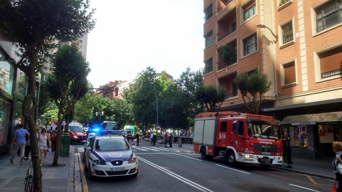 Sufre quemaduras leves tras originarse un fuego en su vivienda de Bilbao cuando estaba fumando en la cama