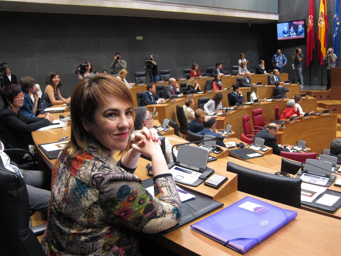 La presidenta del Parlamento de Navarra se reduce el sueldo un 17% y cobrará 56.125 euros anuales