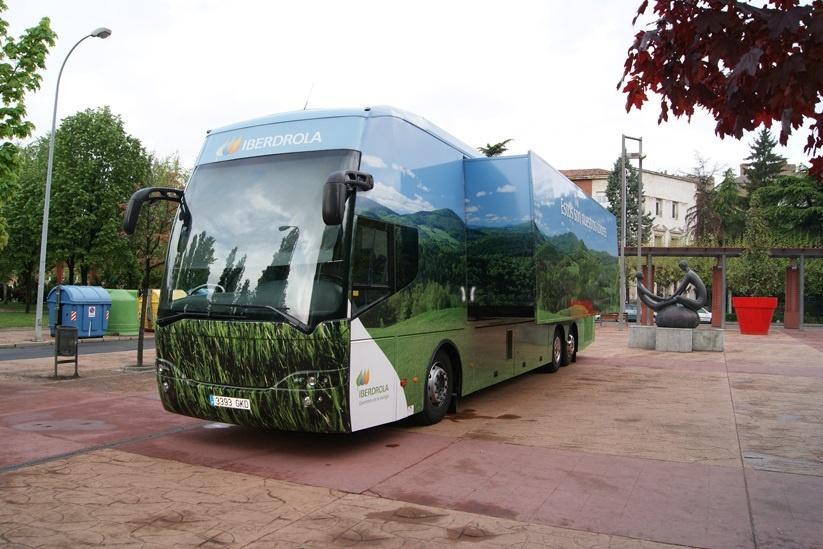 El Autobús Iberdrola que informa sobre energías renovables estará este domingo en la Estropatada 2015 en Bilbao