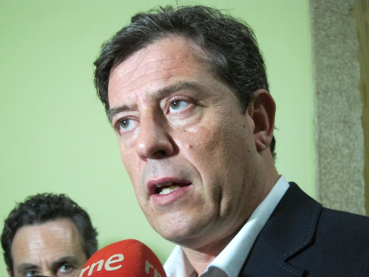 Besteiro mantiene su candidatura al Senado y sugiere persecución política tras su imputación