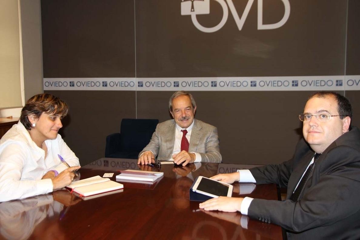 Ayuntamiento y ALSA estudian la situación del transporte público en Oviedo