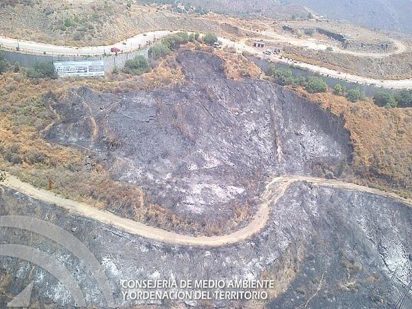 Controlado el incendio en Ojén en la zona del Cerro del Camorro (Málaga)