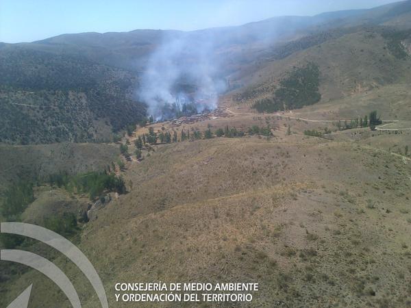 Controlado el incendio forestal declarado en el Paraje de los Tranquilos de Baza
