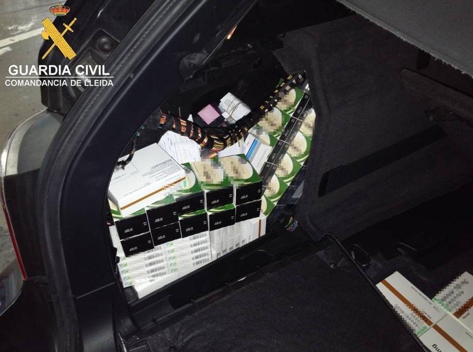 Decomisan medicamentos de contrabando en la aduana de la Farga de Moles (Lleida)