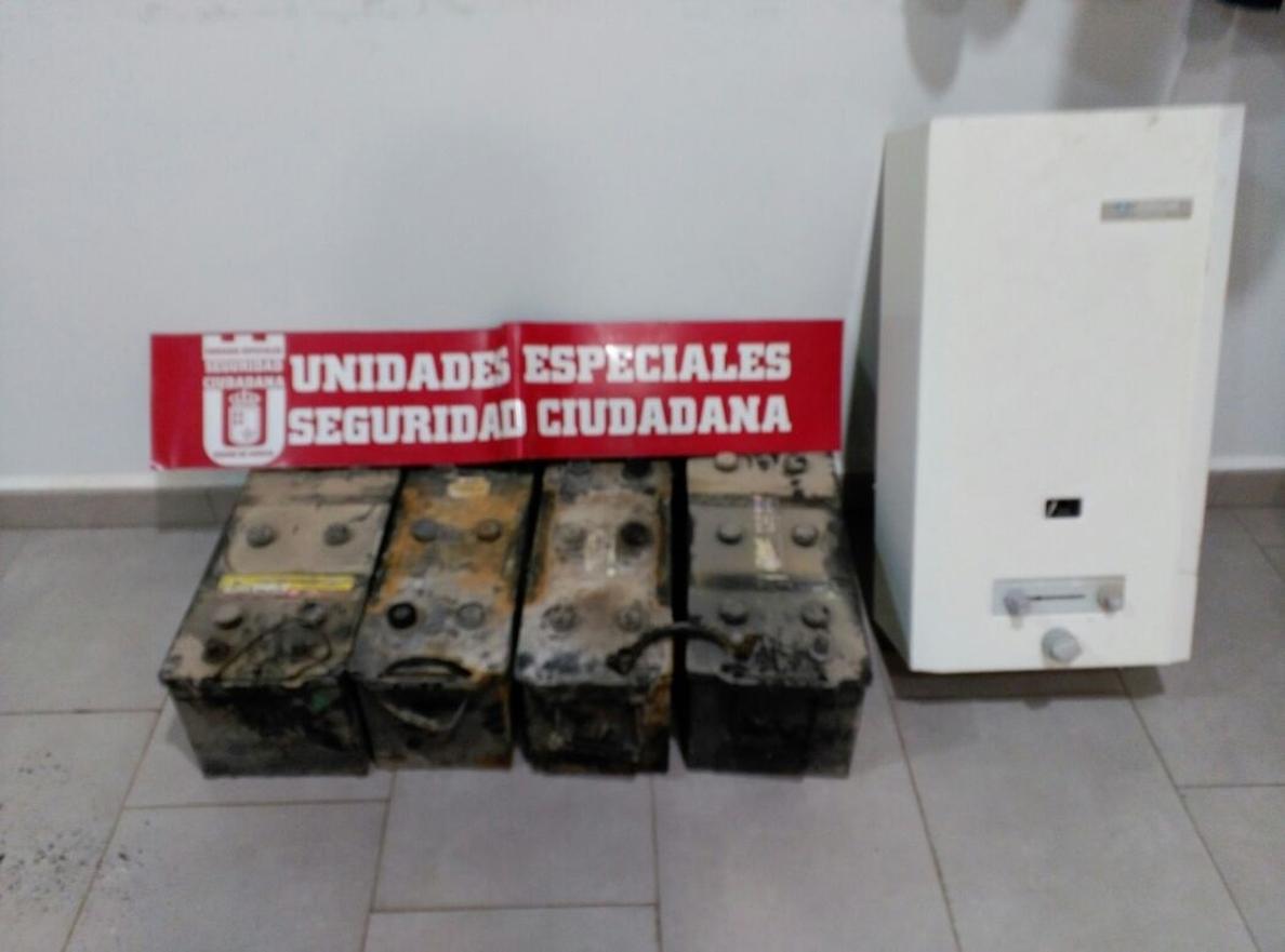 Detenida una persona en Lorca por sustraer de un almacén cuatro baterías de dos camiones y un calentador