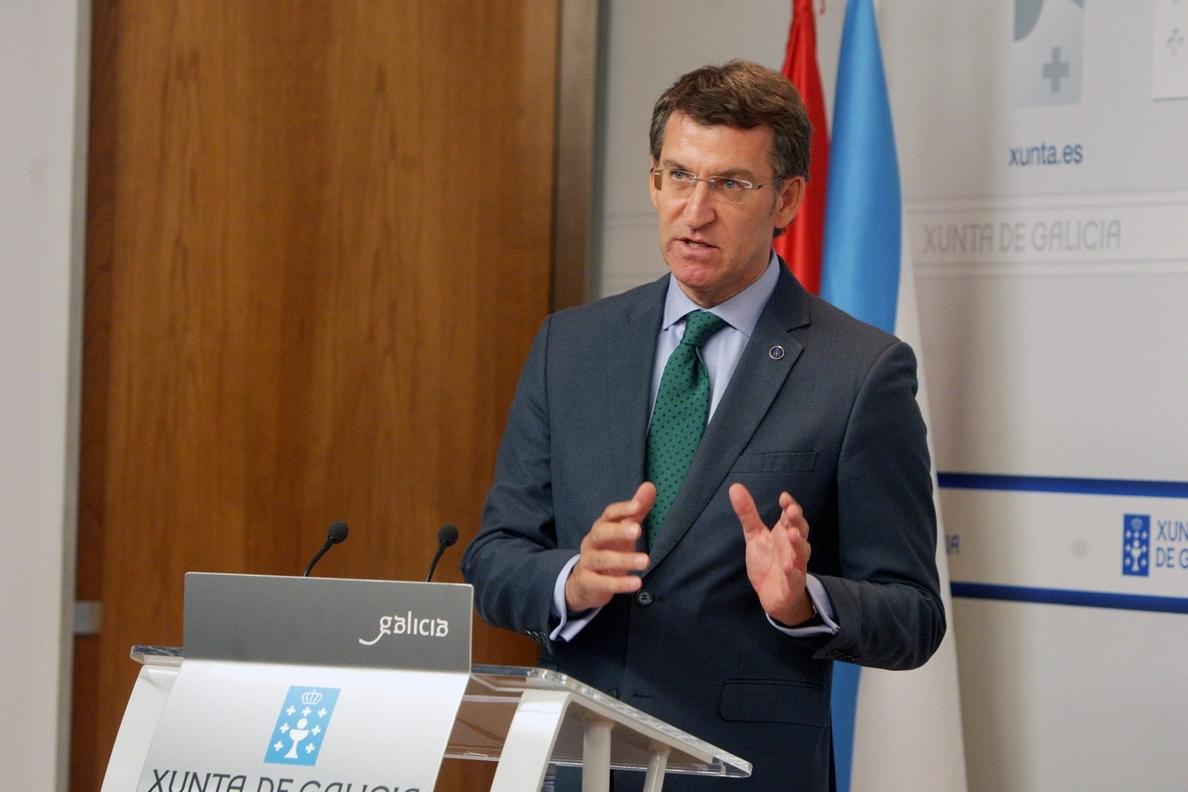 Feijóo aplaude la reforma electoral local que propone el PP,  aunque desearía que se hubiese presentado antes