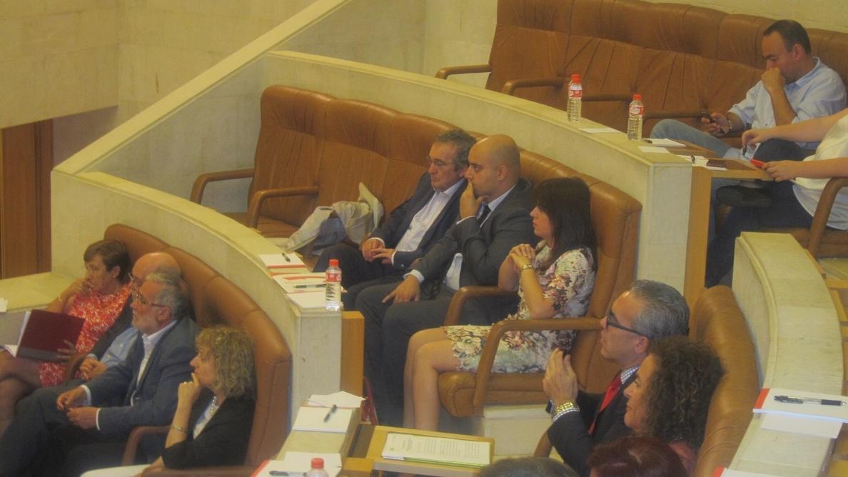 El socialista Guillermo del Corral, elegido senador autonómico con los votos de PRC y PSOE