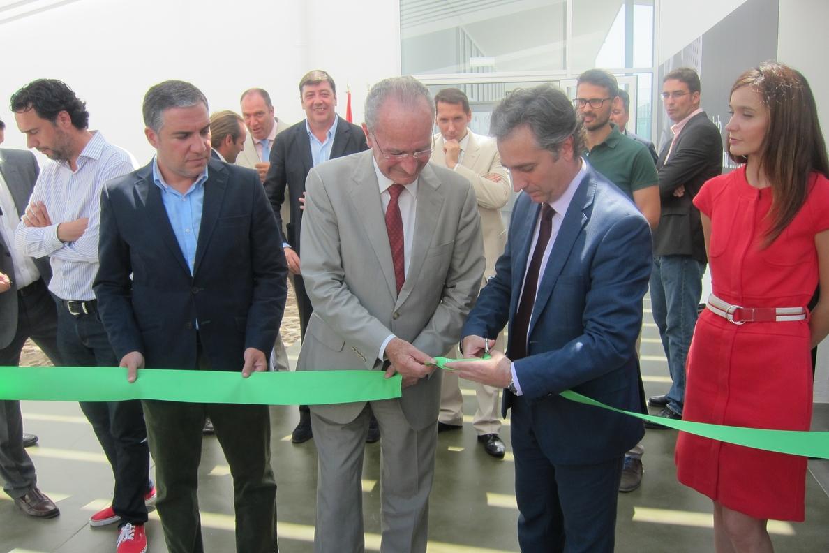 Inauguran el Centro Raqueta, que cuenta con más de 22.500 metros cuadrados y 23 pistas