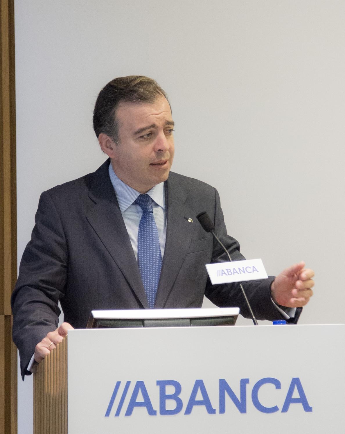 (Amp.) Abanca logra un beneficio bruto de 244 millones hasta junio y no prevé adelantar pagos al FROB