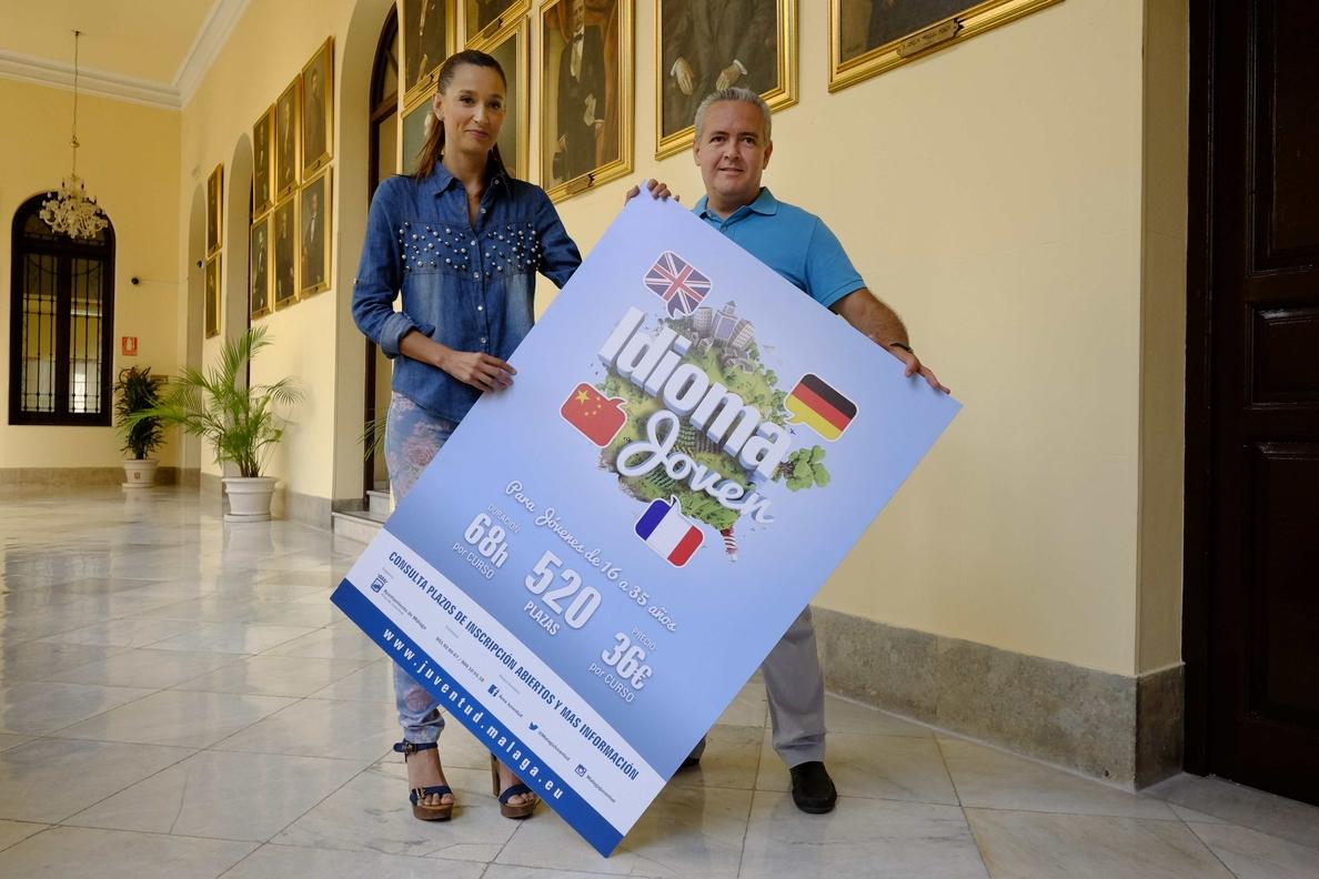 El Ayuntamiento de Málaga pone en marcha el programa »Idioma Joven» con más de 25 cursos