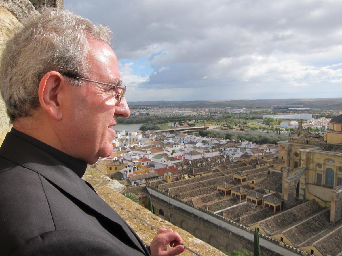 El Cabildo de la Catedral anima a Susana Díaz a «respetar las leyes»