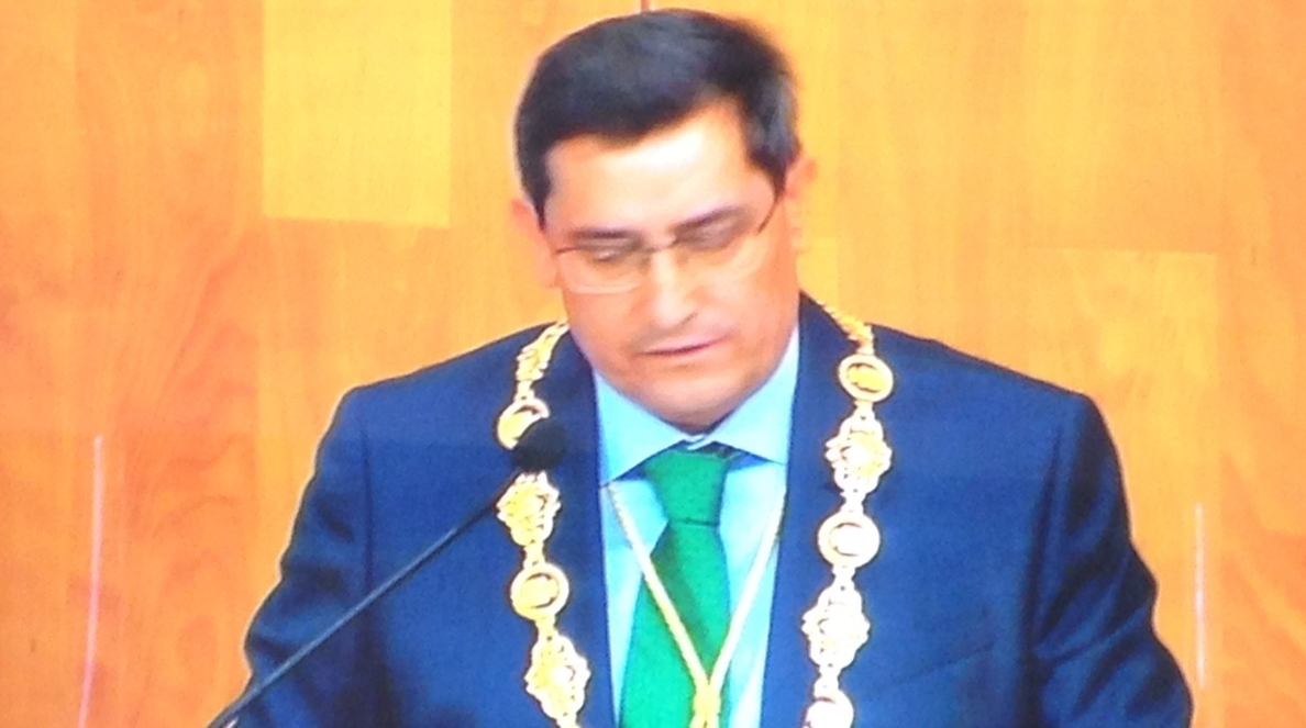 Entrena reivindica el papel de los alcaldes y trabajará por que Granada sea parte activa del desarrollo andaluz