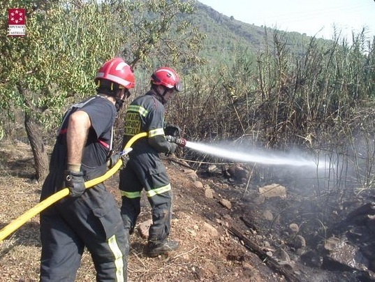 Extinguidos los incendios de Benicàssim, Oropesa y Azuébar (Castellón)
