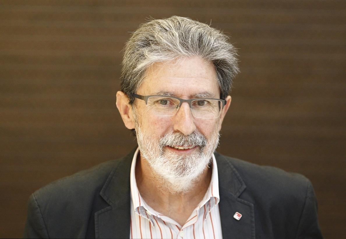 IU esgrime que una candidatura de unidad popular sumaría 90 escaños frente a los 25-30 de Podemos en solitario