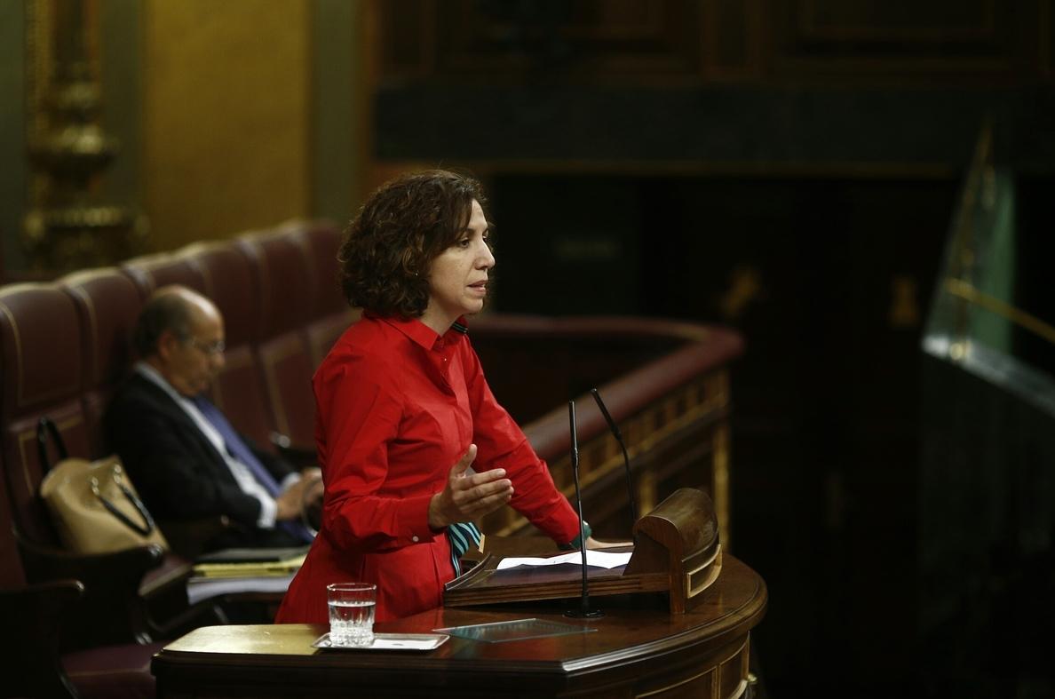 Irene Lozano va a «reflexionar» sobre su continuidad en UPyD porque ve «muy desmoralizante» la situación