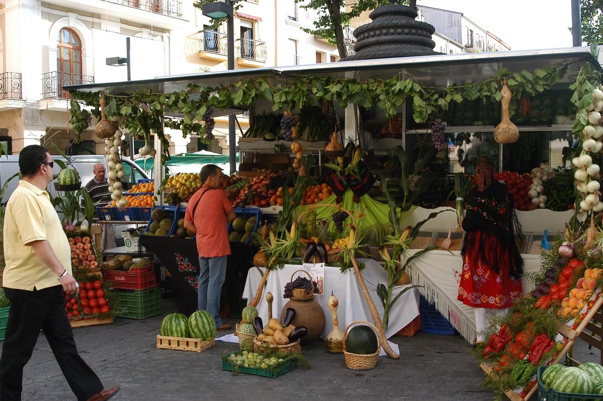 La fiesta del »Martes Mayor» de Plasencia se presentará en Cáceres con una degustación de gazpacho