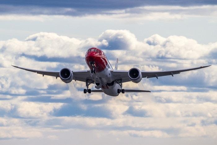 Norwegian reduce sus pérdidas un 54%, hasta 24,1 millones en el primer semestre