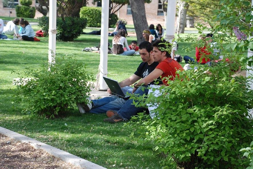 UCLM ocupa el puesto 529 en un ranking que evalúa el rendimiento científico de las 750 mejores universidades del mundo