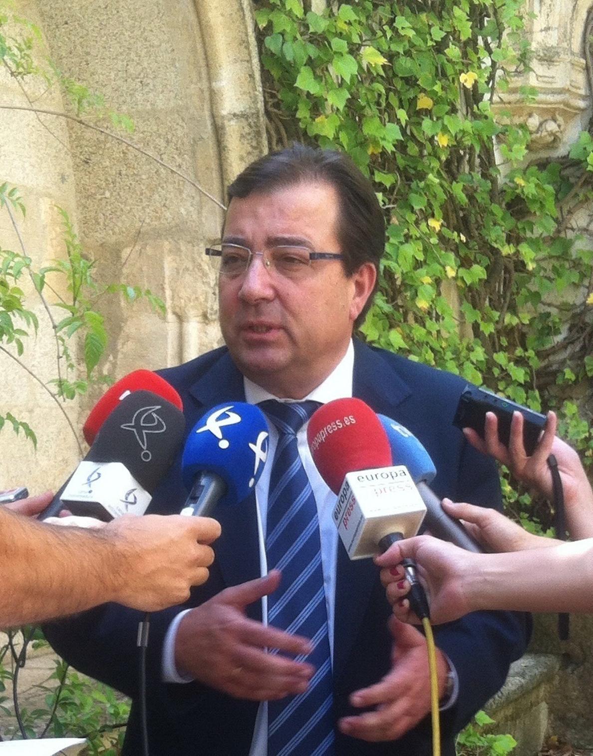 Vara señala que si el TC ordena revisar el recuento de votos nulos en Badajoz «pues habrá que rehacerlo y revisarlo»