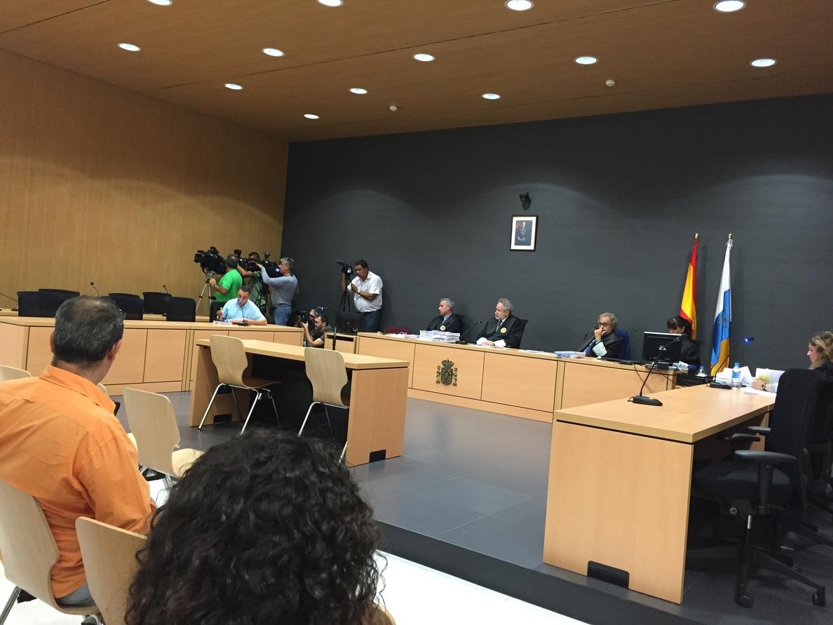Los patrones de la patera que naufragó en Lanzarote en 2012 aceptan la condena de más de 3 años de cárcel