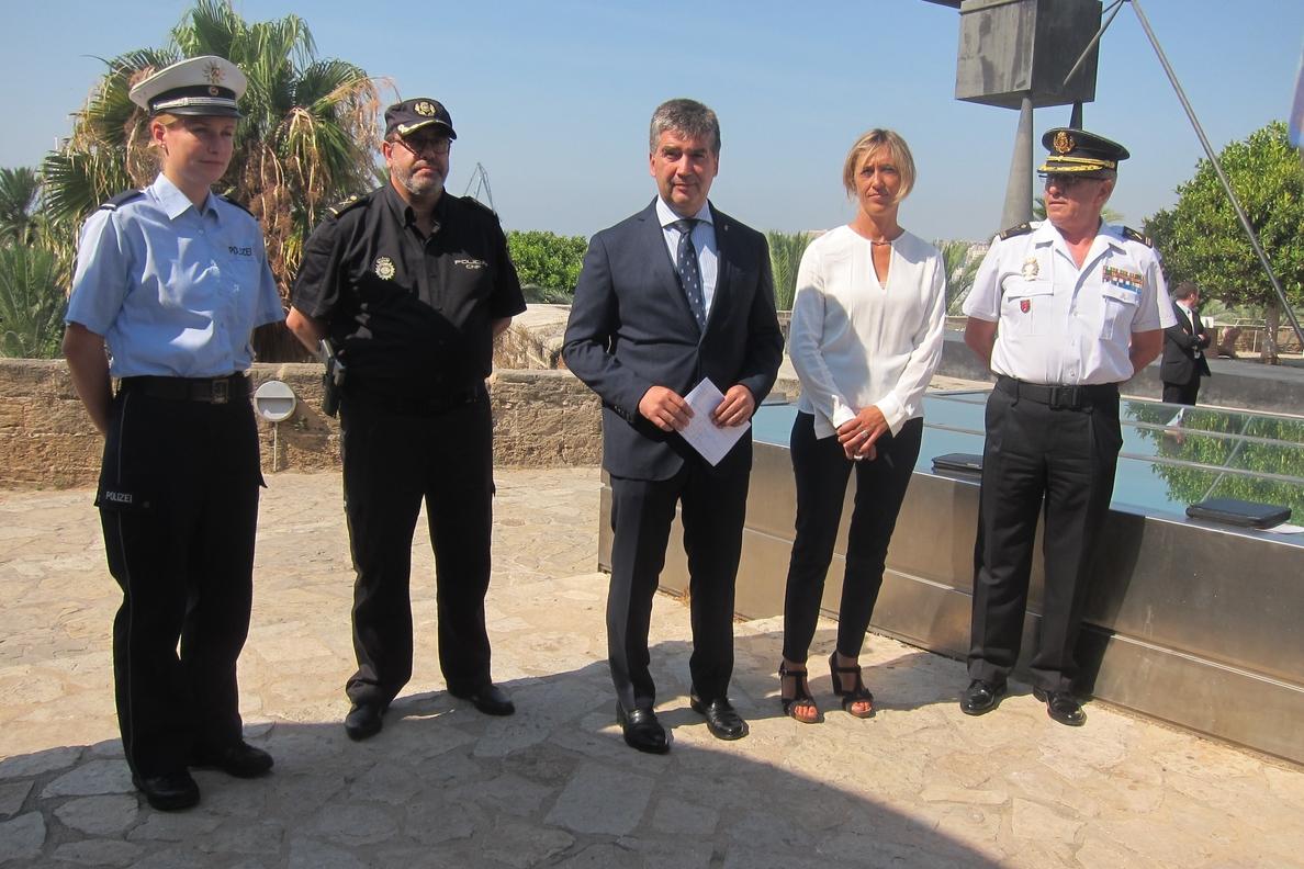 Cosidó afirma que «el número de turistas aumenta cada año y el número de faltas y delitos disminuye»