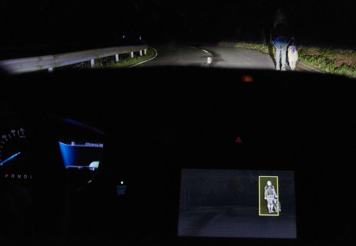 Ford desarrolla un sistema de iluminación que detecta en la oscuridad