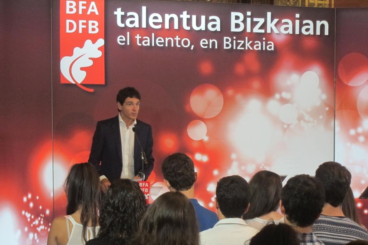 Rementeria anuncia la puesta en marcha de »Bizkaia Katedra» para «aunar y potenciar» la oferta formativa de Diputación