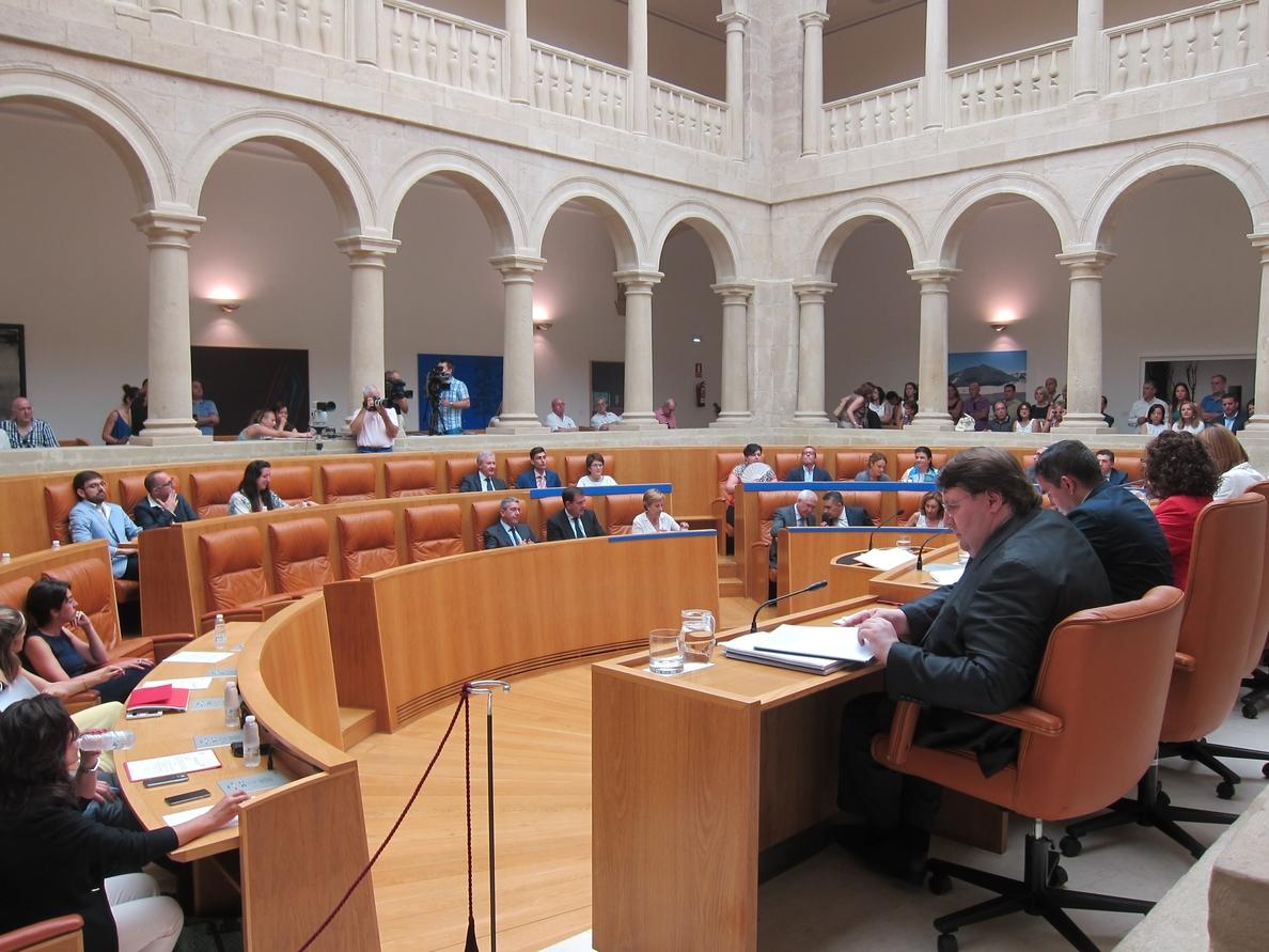 Del Río y Azofra toman posesión de diputados en el Parlamento riojano