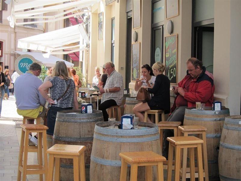 La facturación del sector servicios aumenta un 5 por ciento en mayo en Extremadura