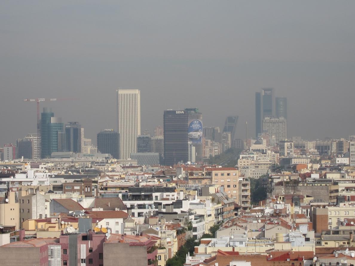 La capital sufrirá este viernes la entrada de masas de aire africano que pueden afectar a las partículas en suspensión