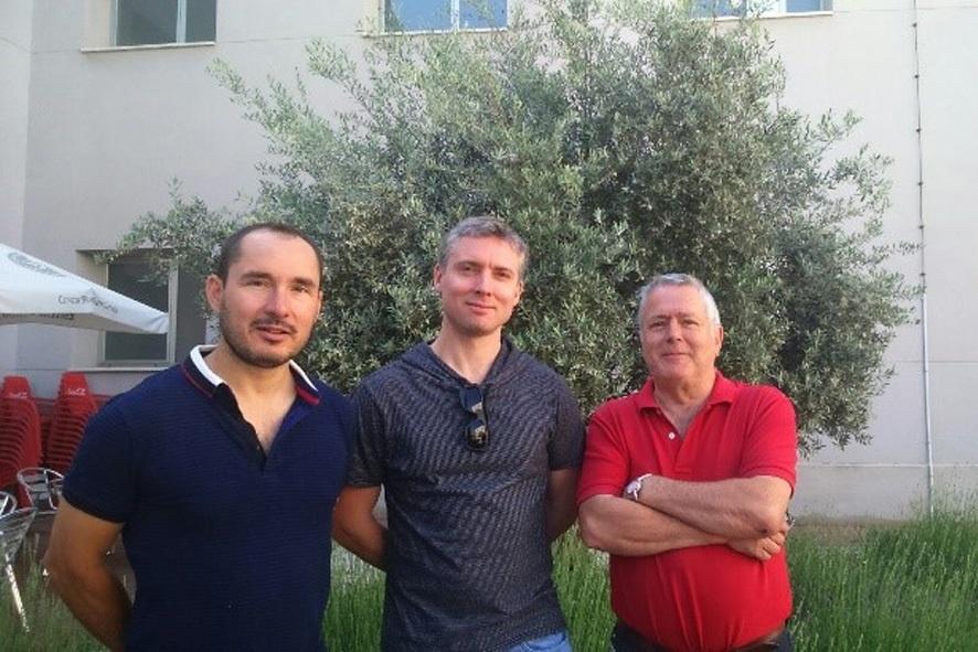 Investigadores de la UCLM estabilizan nanoimanes a temperaturas elevadas para aumentar la capacidad de los discos duros
