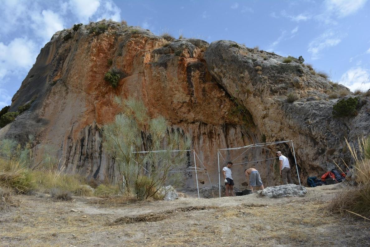 Arqueólogos hallan 600 piezas del Paleolítico Medio en el yacimiento de la Cueva de Bedmar