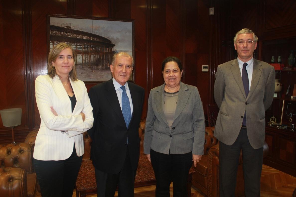 Extenda y el Puerto impulsan nuevas estrategias de internacionalización junto al Club de Exportadores