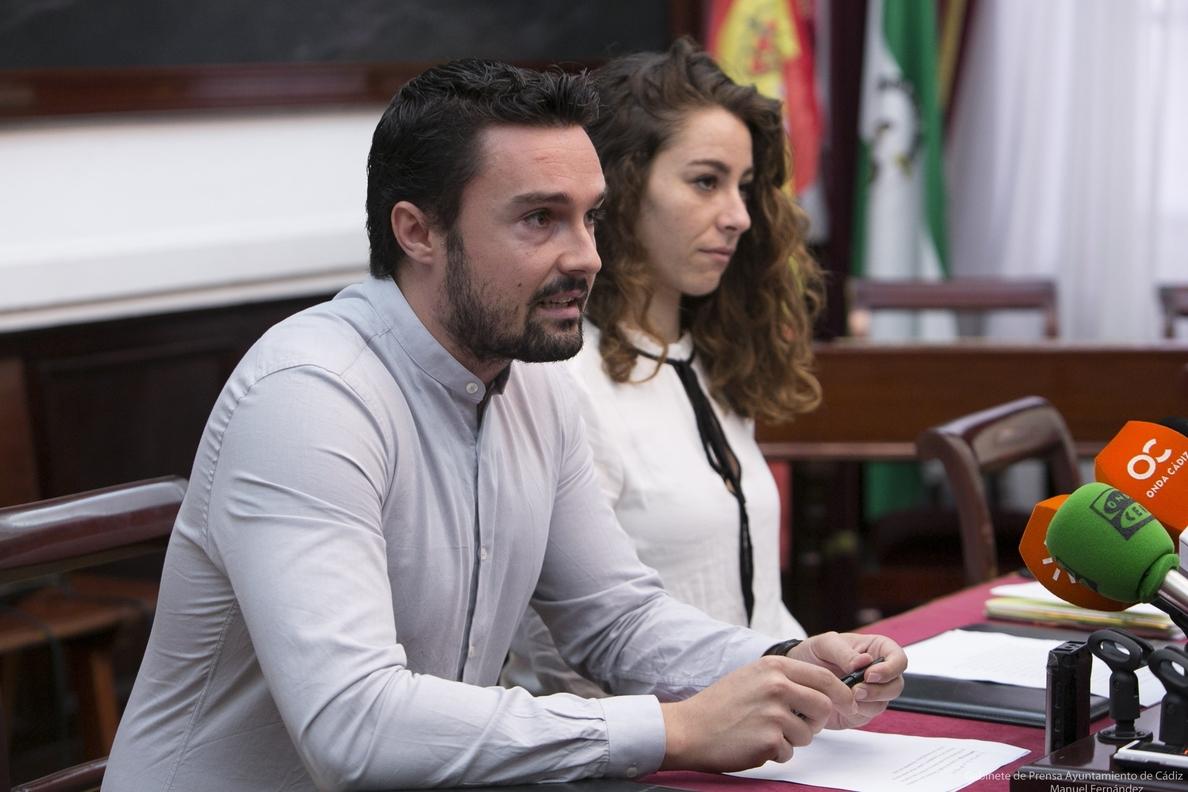 El equipo de Gobierno de Cádiz lleva este viernes sus 100 días de mandato «a la calle» para una asamblea