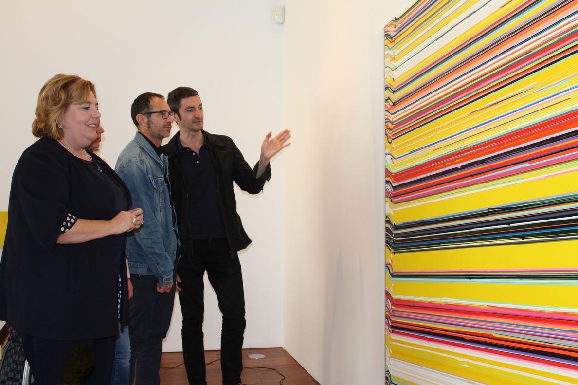 El pintor José Piñar reinterpreta en el Centro Guerrero la obra del artista granadino