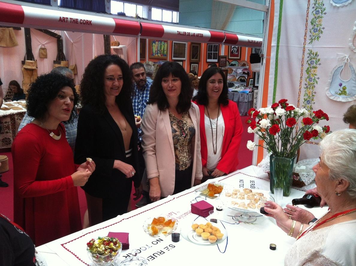 Junta respalda la Feria de San Lucas de Gibraleón que conmemora los 25 años de su muestra de artesanía
