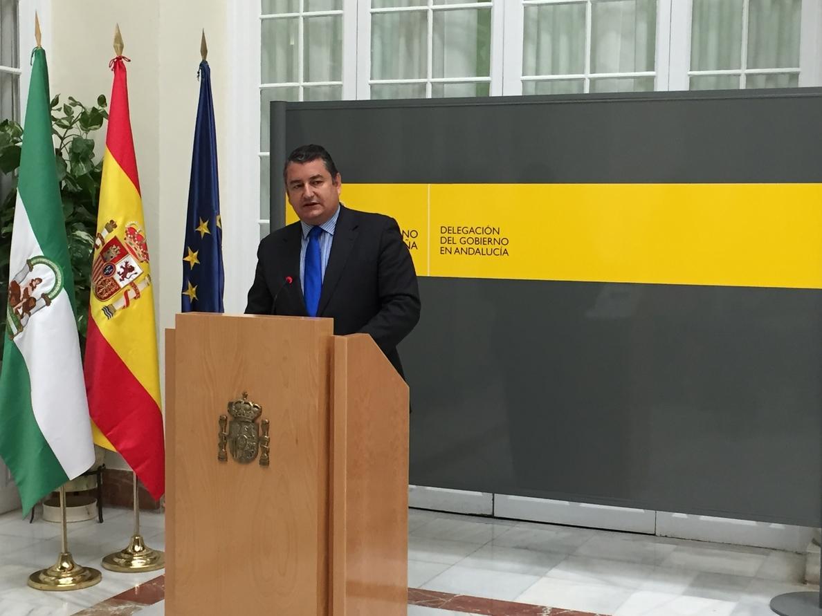 Sanz reitera que el Gobierno va a hacer «la guerra hasta el final» contra los narcoembarcaderos en Guadarranque