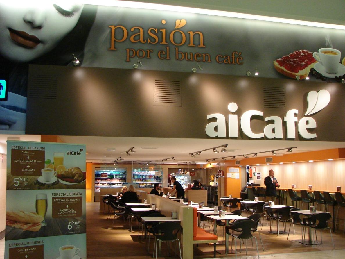 El aeropuerto de Sevilla reforma la cafetería del vestíbulo de llegadas