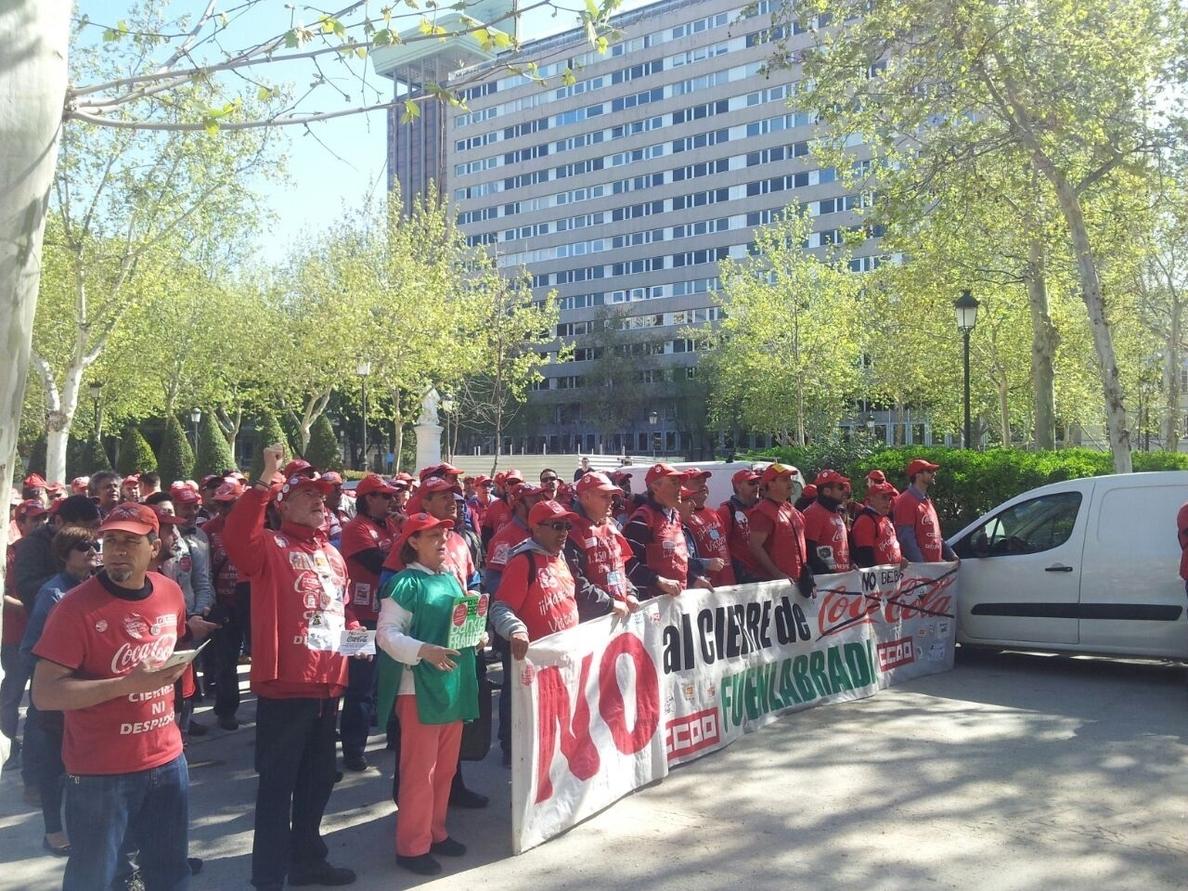 Los trabajadores de la parte industrial de la planta de Coca-Cola en Fuenlabrada se reincorporarán desde mañana