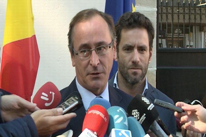 Alonso cree que para «recuperar la confianza» de los ciudadanos en el PP vasco deben «trabajar duro y contar con todos»