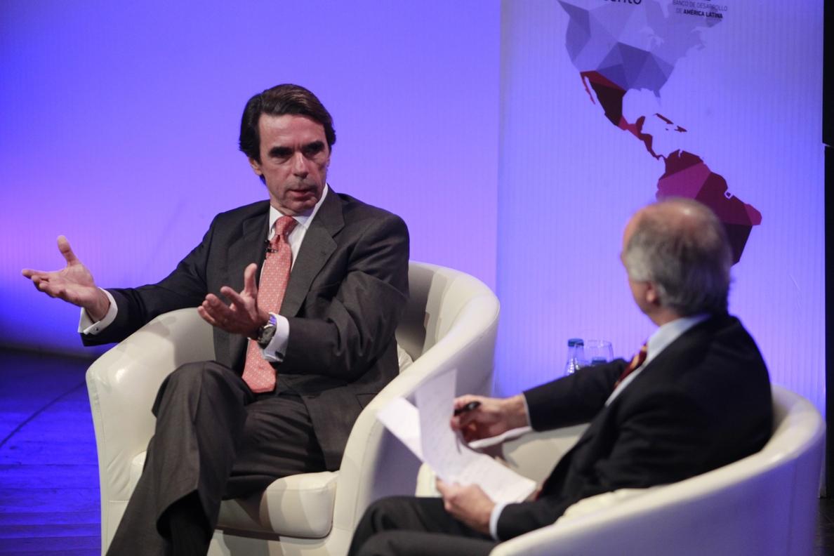 Aznar reivindica su Pacto del Majestic con CiU y acusa de «miopía» a quienes culpan al PP del independentismo